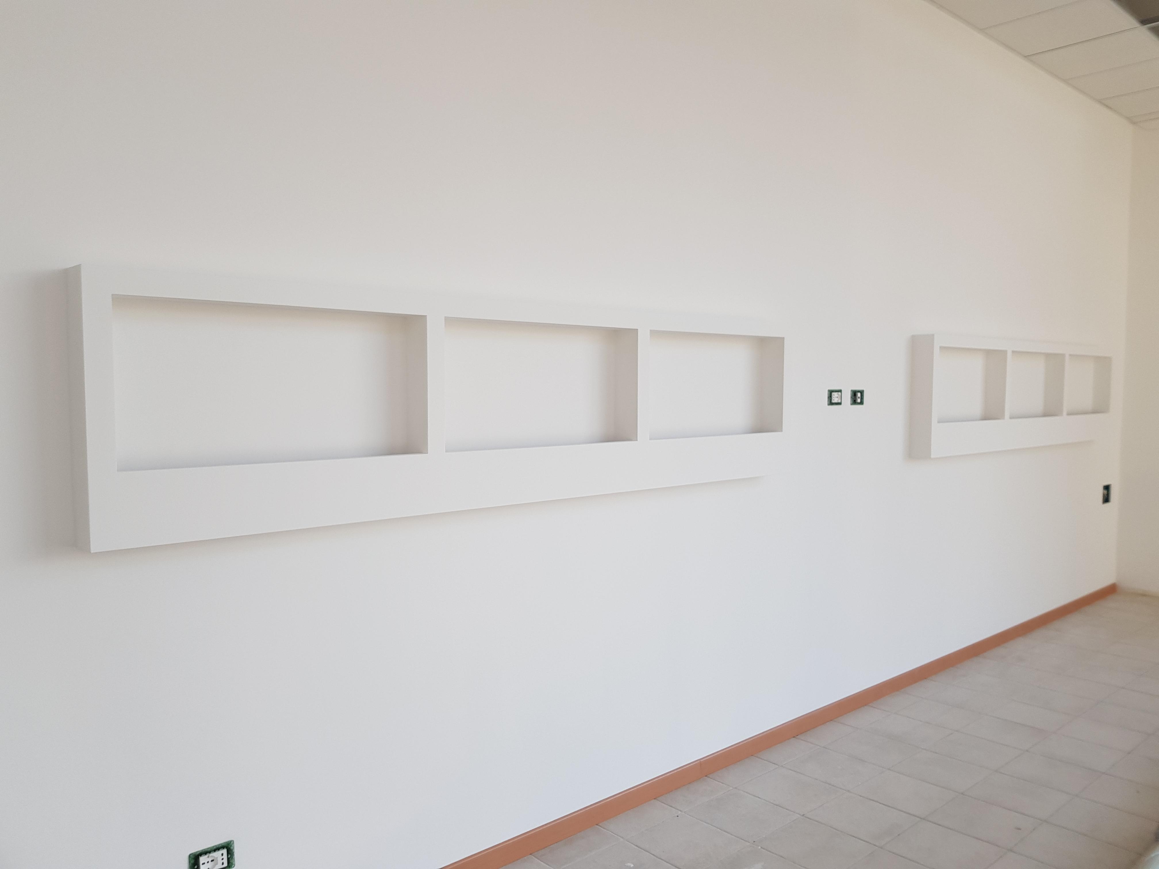 isolamento acustico pareti divisorie appartamento con decorazione
